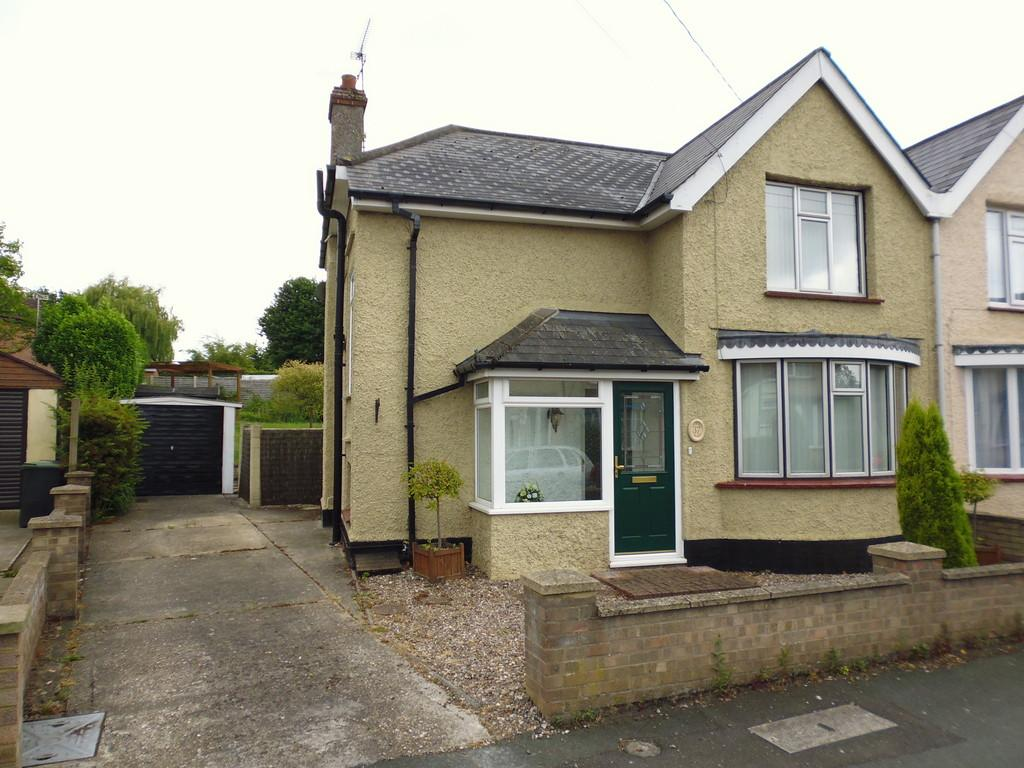 3 Bedrooms Semi Detached House for sale in The Crescent, Stowmarket