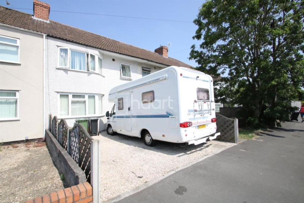3 Bedrooms Terraced House for sale in Portview Road