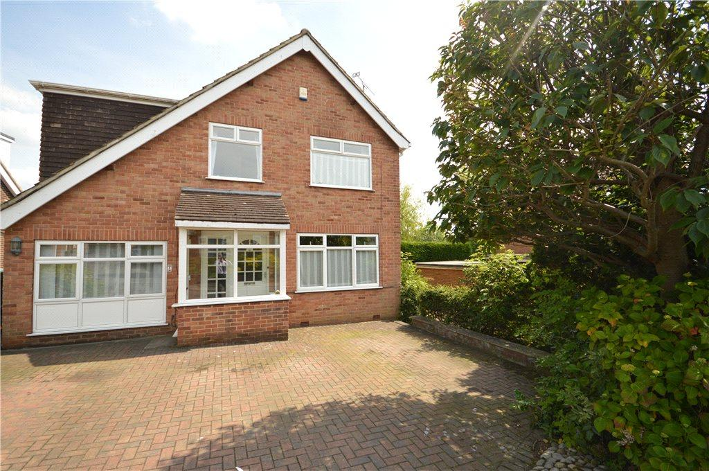 4 Bedrooms Detached House for sale in St. Johns Way, Yeadon, Leeds, West Yorkshire