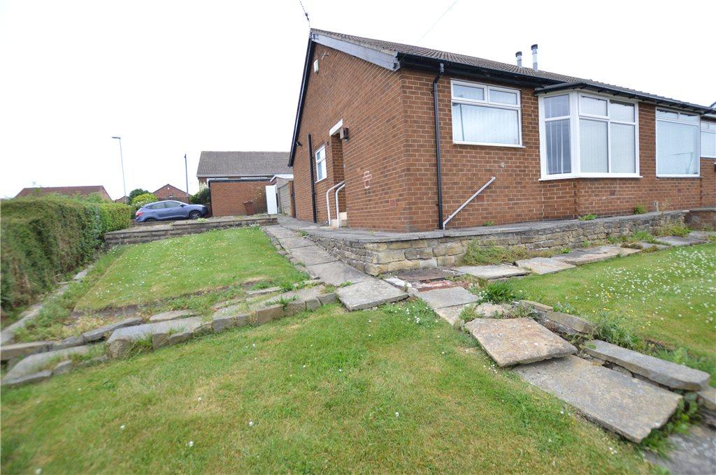 2 Bedrooms Semi Detached Bungalow for sale in Templegate Drive, Leeds, West Yorkshire