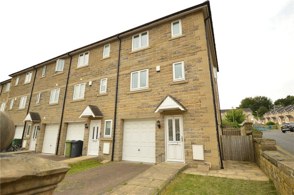 4 Bedrooms Town House for sale in Beech Tree Mews, Batley, West Yorkshire
