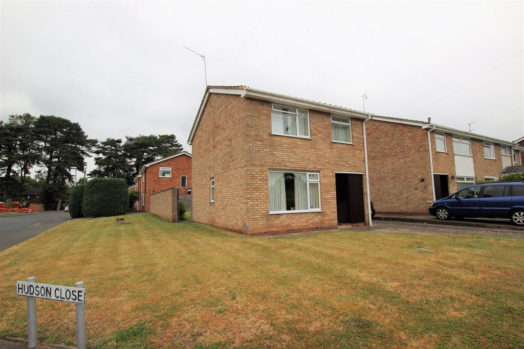 3 Bedrooms Detached House for sale in Hudson Close, LOWER WICK