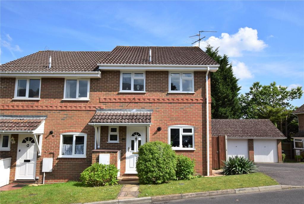3 Bedrooms Semi Detached House for sale in Dauntless Road, Burghfield Common, Reading, Berkshire, RG7