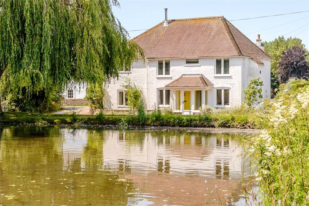 3 Bedrooms Detached House for sale in The Gardens, West Ashling, Chichester, West Sussex