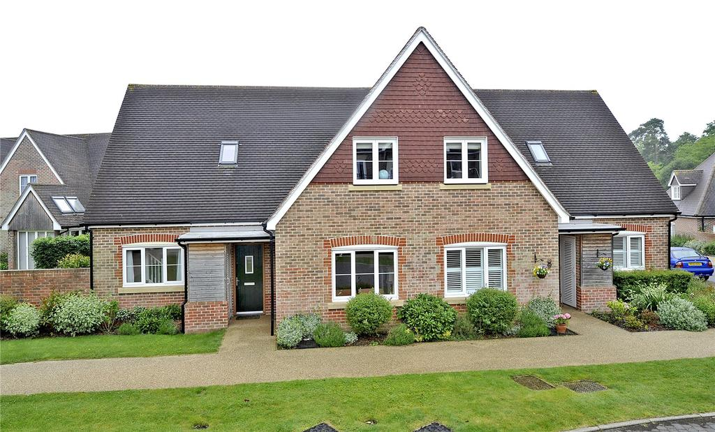 3 Bedrooms Retirement Property for sale in Bramshott Place, Liphook, Hampshire, GU30