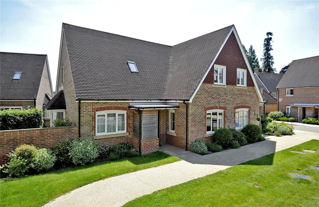 3 Bedrooms Retirement Property for sale in King Georges Drive, Bramshott Place, Liphook, Hampshire, GU30