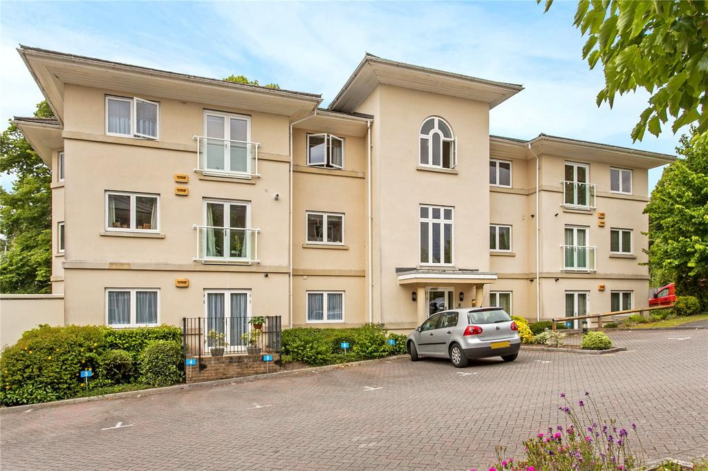 2 Bedrooms Flat for sale in Park View, Holly Meadows, Winchester, Hampshire, SO22