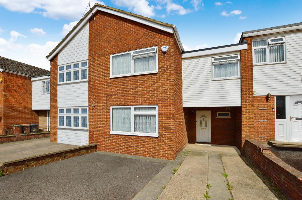 3 Bedrooms House for sale in Ditchling Close, Stopsley, Luton, LU2 8JR