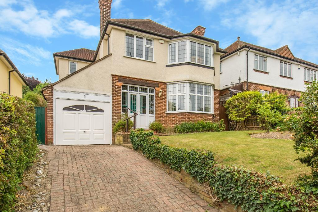 4 Bedrooms Detached House for sale in Downsway, Sanderstead, CR2 0JB