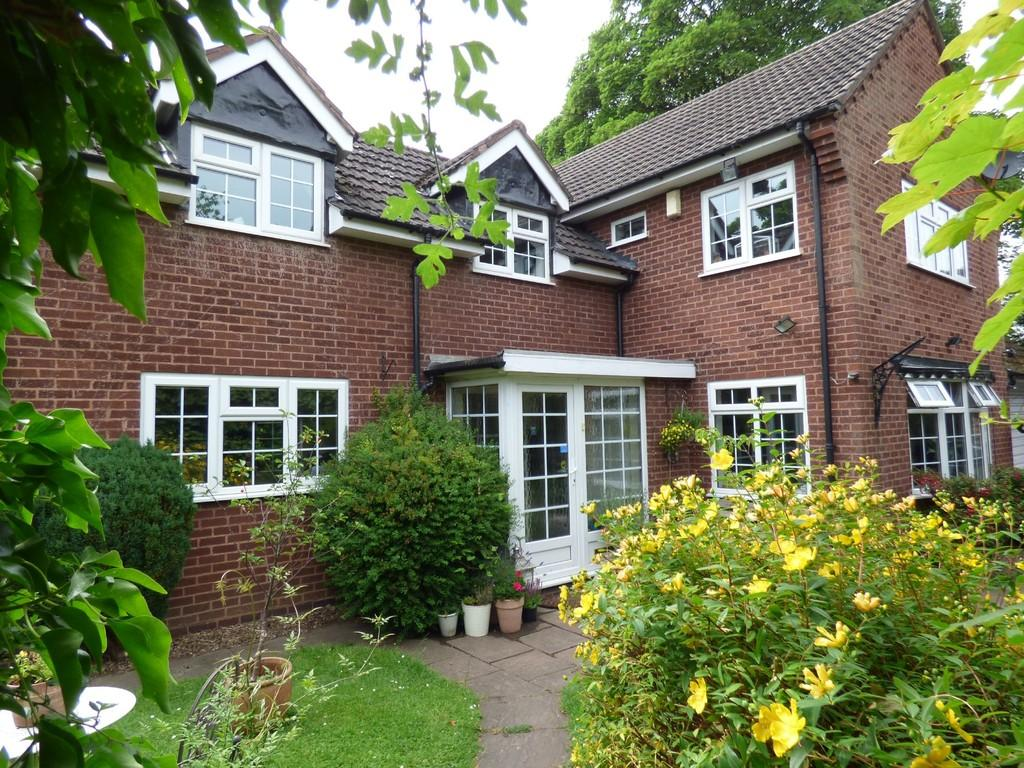 3 Bedrooms Detached House for sale in Doctors Lane, Shenstone, Lichfield