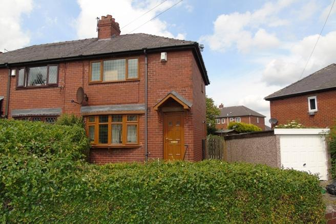 2 Bedrooms Semi Detached House for sale in 21 Highstone Avenue, Worsbrough Common, Barnsley, S70 4LA
