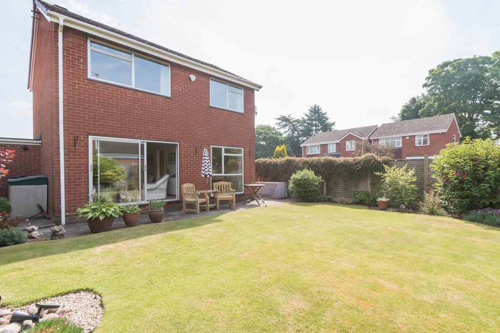 3 Bedrooms Detached House for sale in Saxon Wood Road, Cheswick Green, Solihull