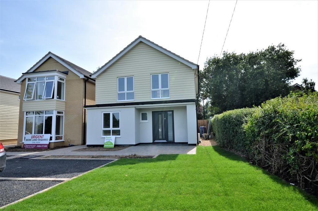 3 Bedrooms Detached House for sale in Colchester Road, West Bergholt