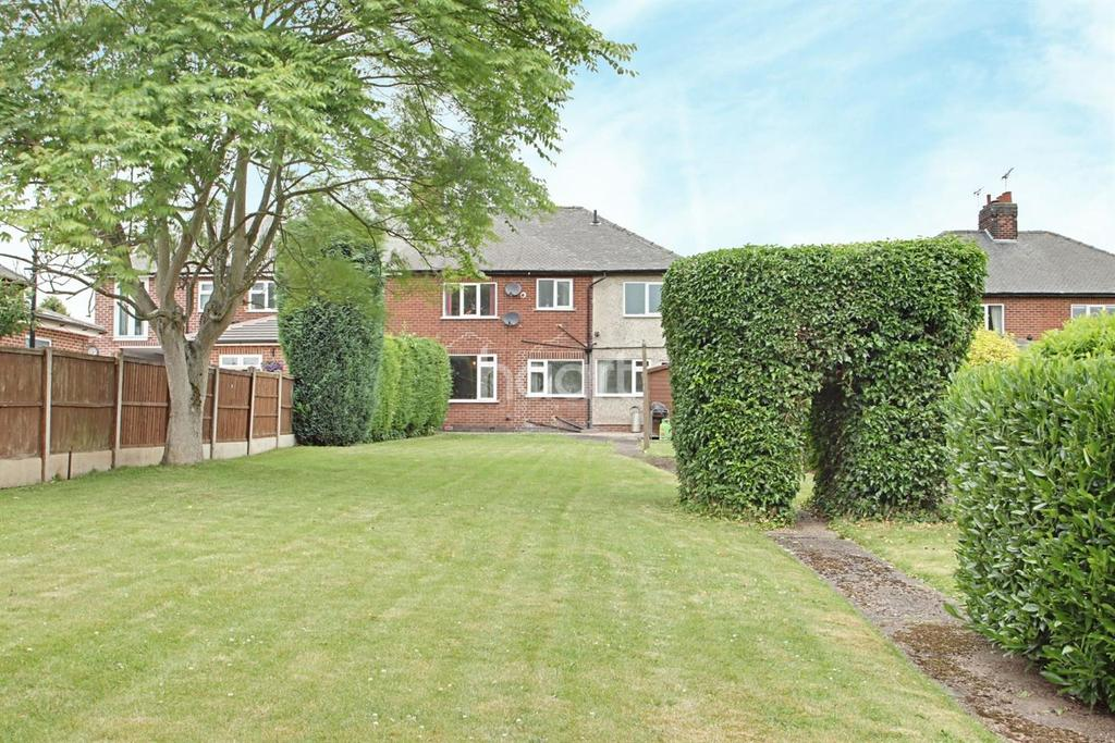4 Bedrooms Semi Detached House for sale in Papplewick Lane, Hucknall