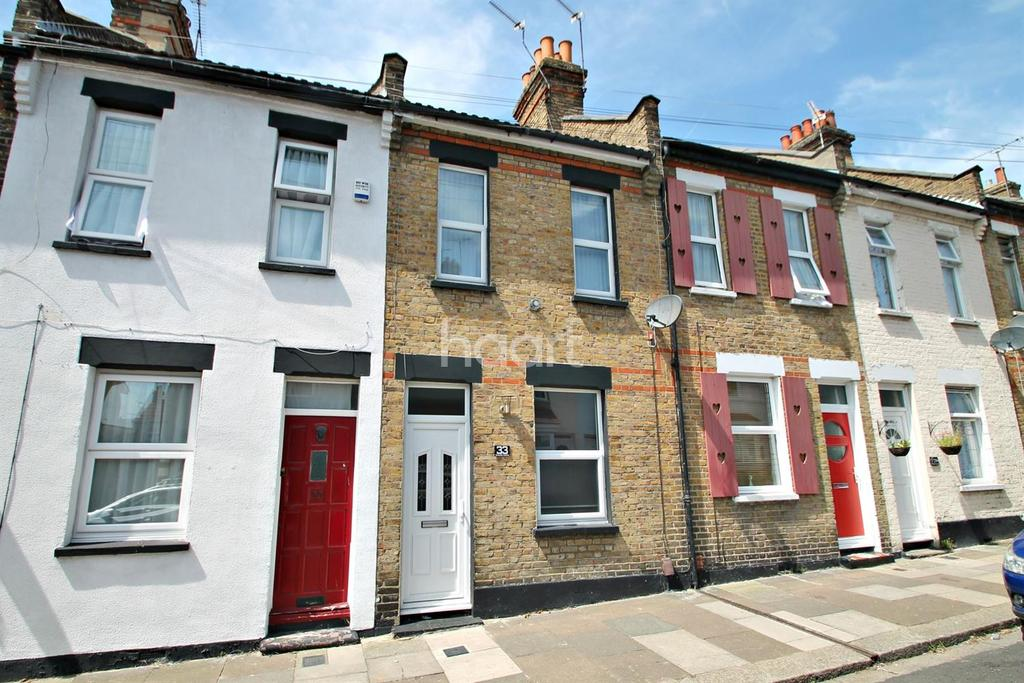 2 Bedrooms Terraced House for sale in Oakleigh Avenue, Southend On Sea