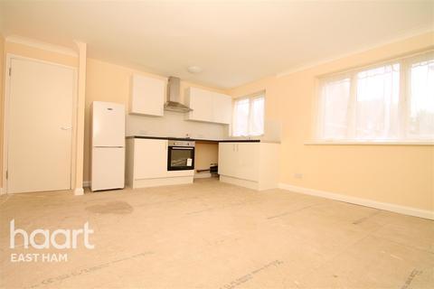 1 bedroom flat to rent - Lindwood Close, E6