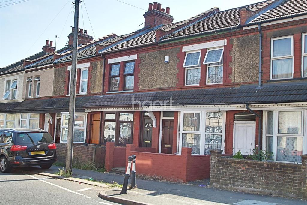 2 Bedrooms Terraced House for sale in Immaculate Two Bedroom In Selbourne