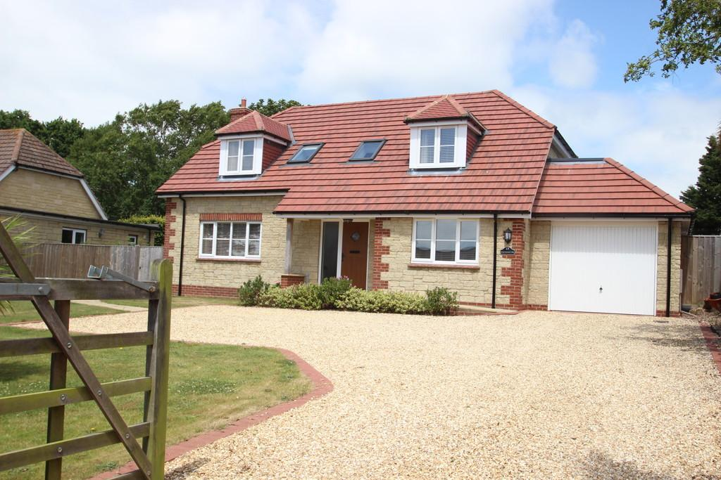 5 Bedrooms Detached House for sale in Alverstone Road, Whippingham