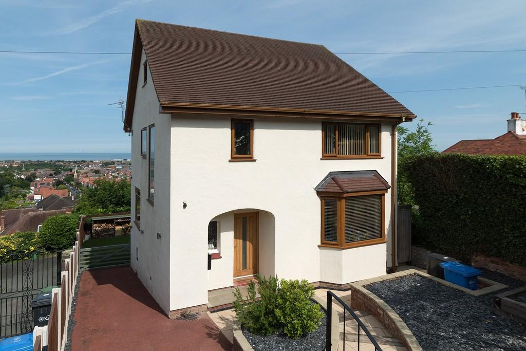 3 Bedrooms Detached House for sale in Mount Ida Road, Prestatyn