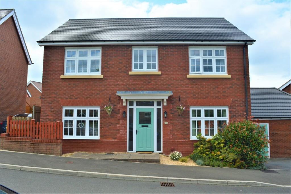 4 Bedrooms Detached House for sale in Buzzard Way, Cwm Calon
