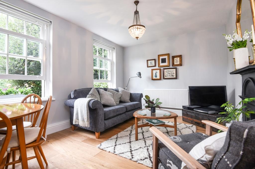 1 Bedroom Flat for sale in Kidbrooke Grove London SE3