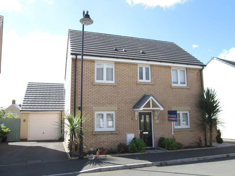 3 Bedrooms Detached House for sale in Ffordd Y Grug Coity Bridgend CF35 6BQ