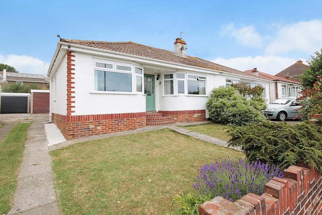 3 Bedrooms Semi Detached House for sale in Adur Avenue, Shoreham-by-Sea, BN43 5NL