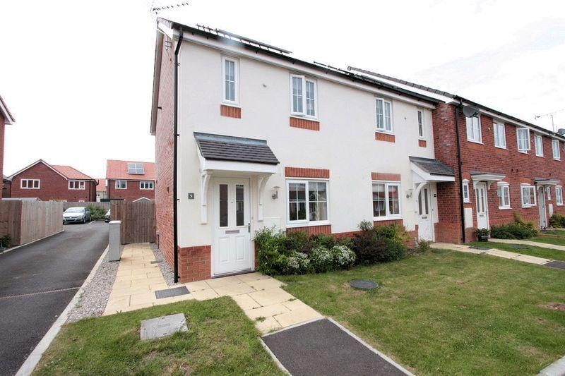 2 Bedrooms End Of Terrace House for sale in Golygfa Clwyd, Rhyl