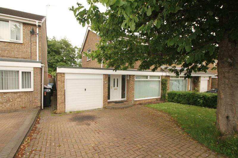 3 Bedrooms Semi Detached House for sale in Skiddaw Court, Nunthorpe