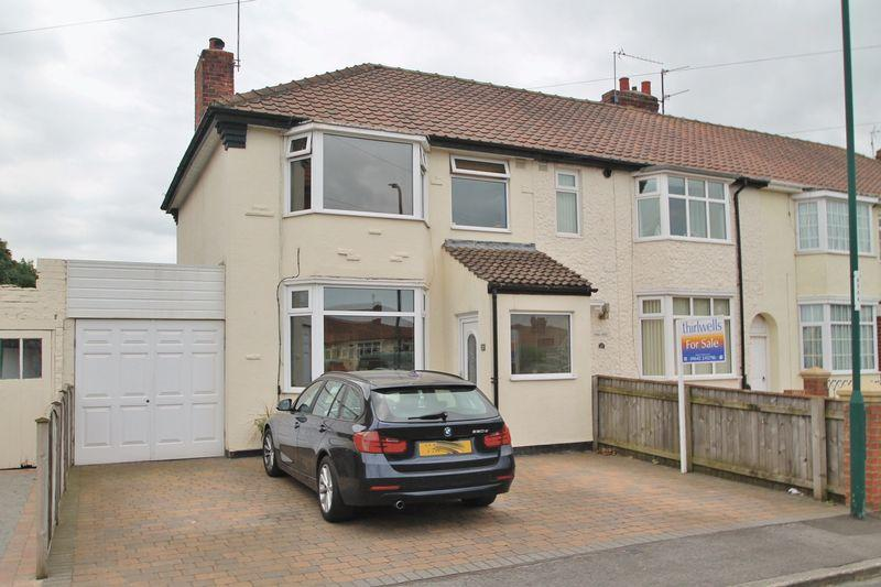 3 Bedrooms End Of Terrace House for sale in The Hall Close, Ormesby