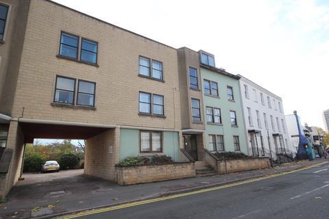 1 bedroom property to rent - Playhouse Court, Bath Road, Cheltenham,