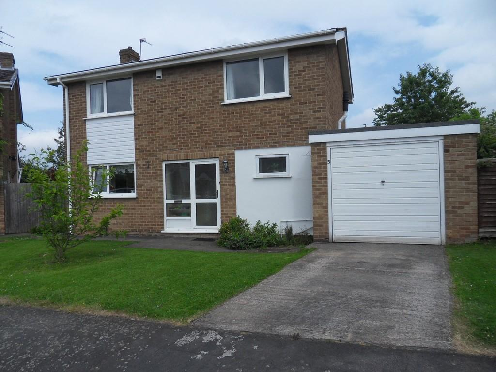 4 Bedrooms Detached House for sale in Lamport Close, Loughborough