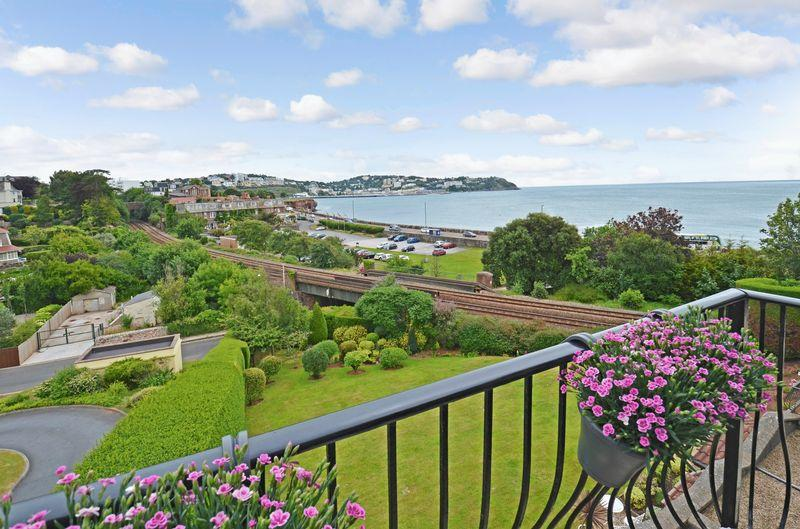 2 Bedrooms Apartment Flat for sale in Underhill Road, Torquay