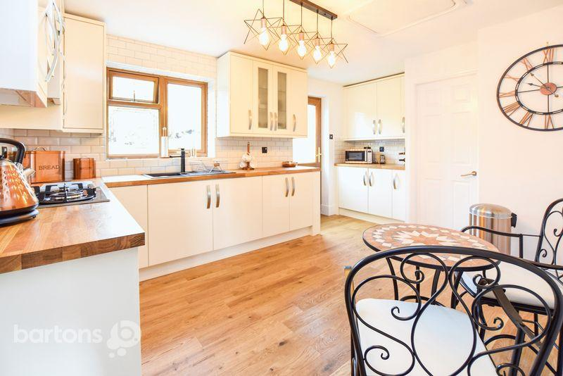3 Bedrooms Detached House for sale in Benton Way, Kimberworth