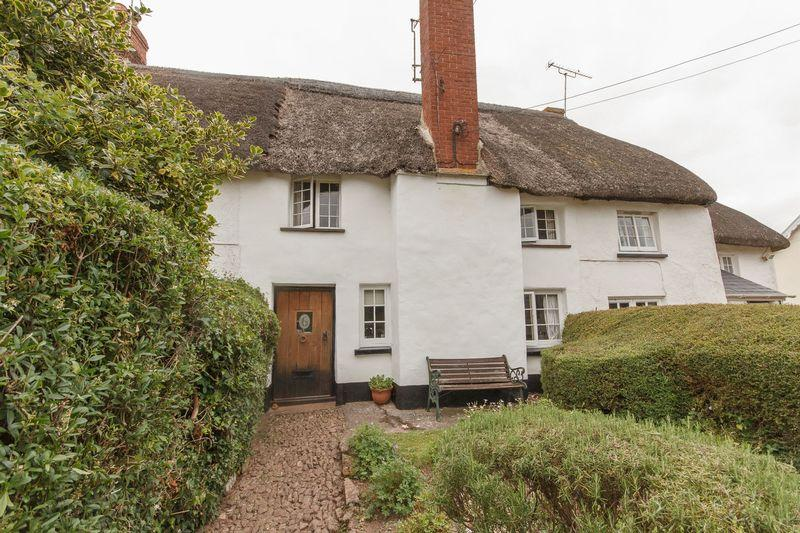 2 Bedrooms Terraced House for sale in Shobrooke Village, Crediton