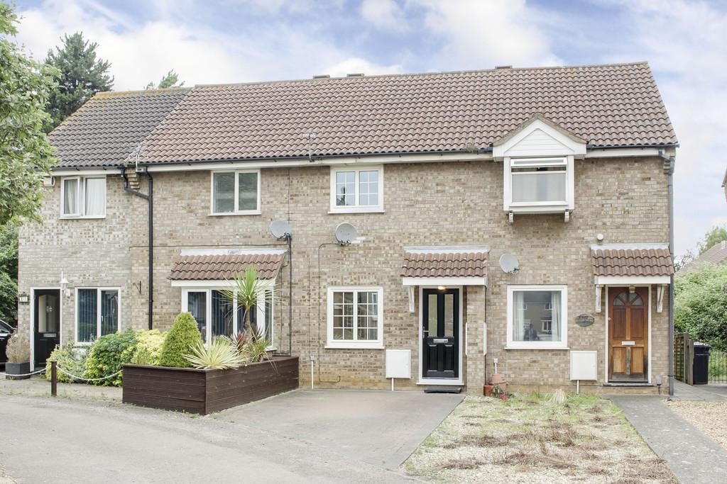 2 Bedrooms Terraced House for sale in Alder Close, Eaton Ford, St. Neots