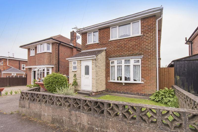 3 Bedrooms Detached House for sale in LABURNUM GROVE, KINGSWAY