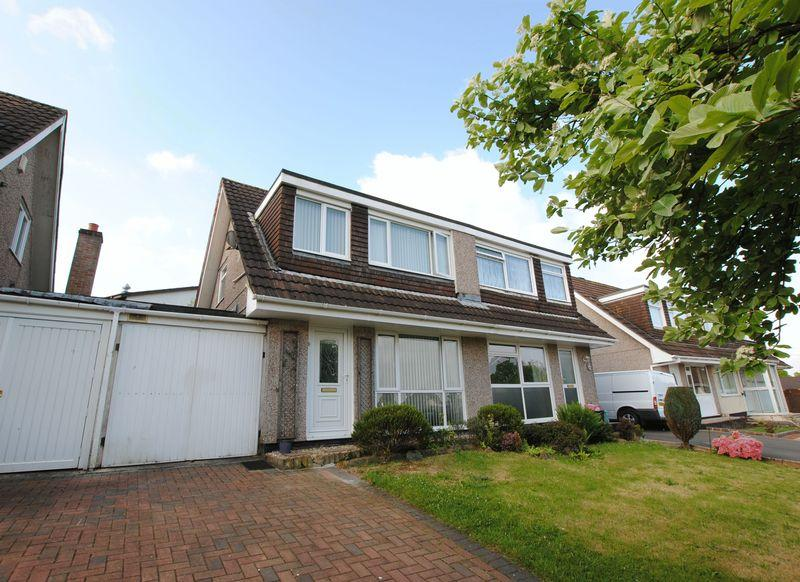 4 Bedrooms Semi Detached House for sale in Hawthorns, Saltash
