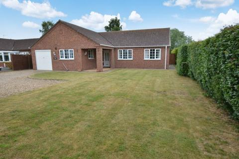 3 bedroom detached bungalow for sale - Woodbury Lodge, Old Fen Lane, Scrub Hill