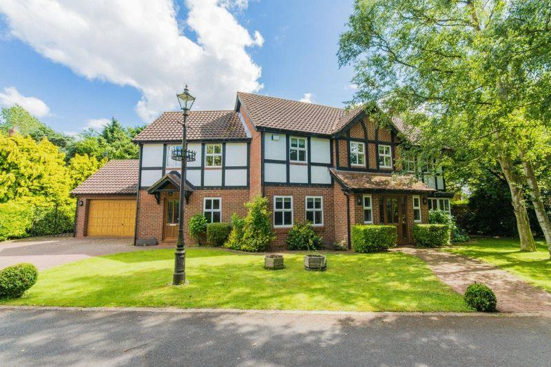 4 Bedrooms Detached House for sale in Fearn Close, New Waltham, DN36