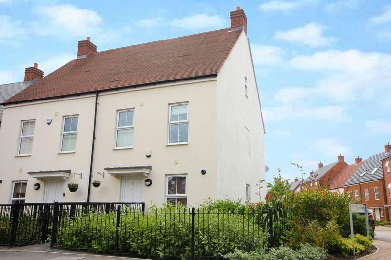 4 Bedrooms Town House for sale in Hicks Road, Markyate ***NO UPPER CHAIN***