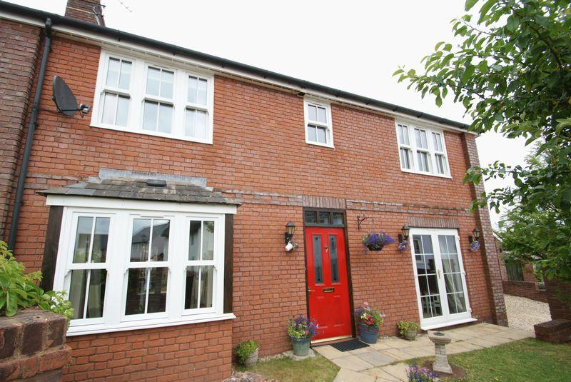 4 Bedrooms Detached House for sale in Spacious modern property in a quiet village location