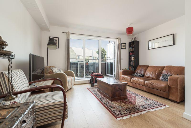 2 Bedrooms Apartment Flat for sale in Bramhope Lane, Charlton