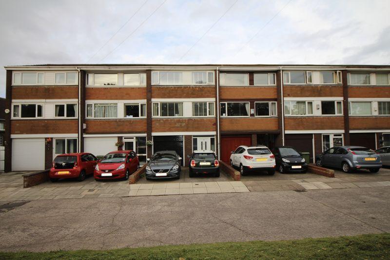 3 Bedrooms Terraced House for sale in Kings Road, Bebington