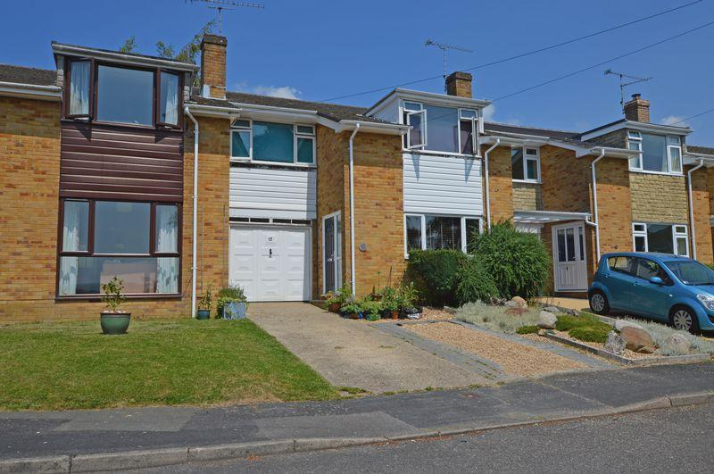 3 Bedrooms Town House for sale in Beavers Close, Alton, Hampshire