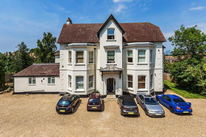 1 Bedroom Apartment Flat for sale in Grange Road, Guildford