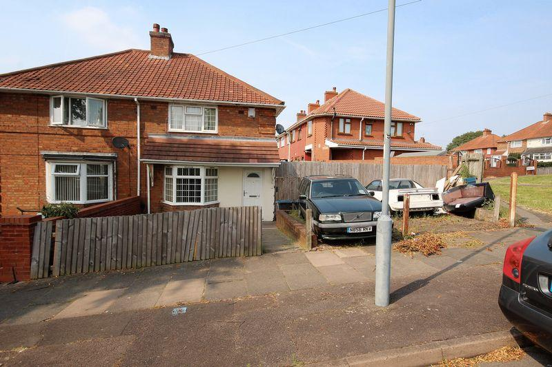 3 Bedrooms Terraced House for sale in Corner plot ! Looking to extend ? Look no further, this three bedroom end terraced house offers substantial scope to...