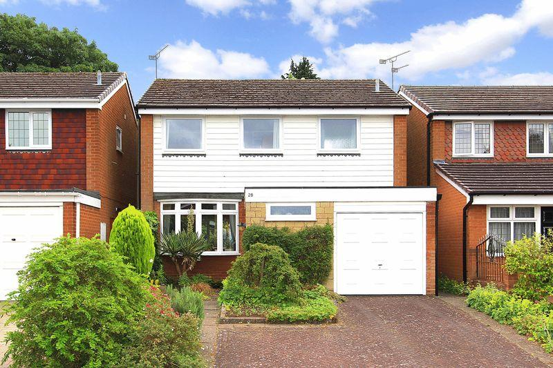 4 Bedrooms Detached House for sale in PENN, Lancaster Gardens