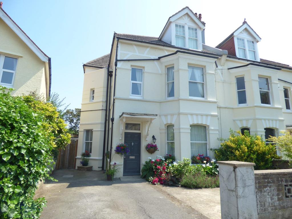 5 Bedrooms Semi Detached House for sale in Woodville Road, Bexhill-on-Sea, TN39