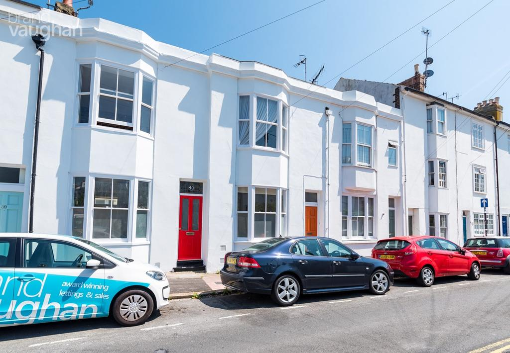 3 Bedrooms Terraced House for sale in North Gardens, Brighton, BN1